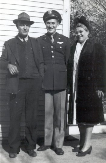 Lt. Weiland, his father Herman Sr. and his mother Tille - 459th BG, Army Air Corps Library and Museum